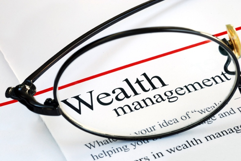 5 factors to consider before hiring a wealth manager