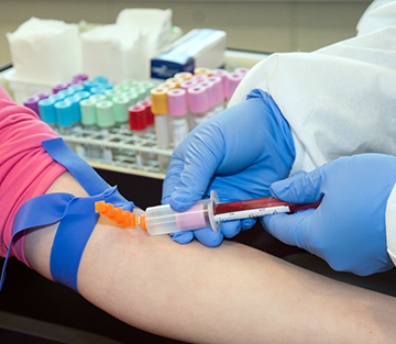 Houston Phlebotomy School Memorizes A Deceased Employee Of Lupus, With A Scholarship Fund