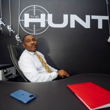 """Formerly Homeless Millionaire James Hunt Teaches Young Black Men How to """"Hunt"""" for Success"""